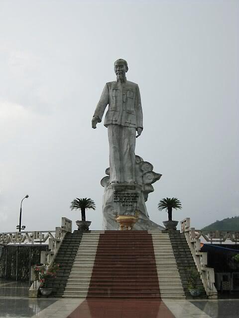 Lại nói về tượng đài danh nhân Việt (P2)