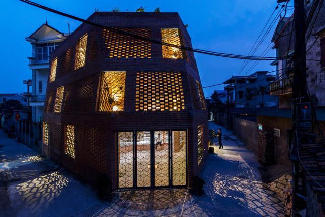 'Nhà hang - lò gạch' ở Hà Nội được tôn vinh trên báo Mỹ