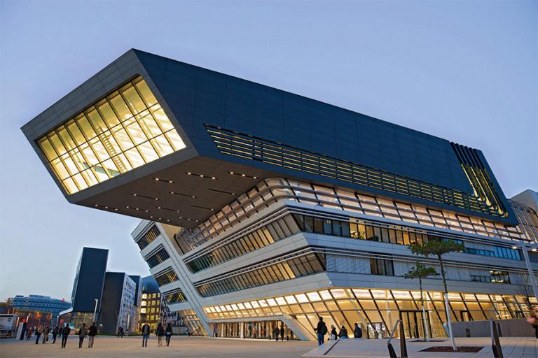 Các thủ pháp thiết kế kiến trúc của Zaha Hadid (P1)