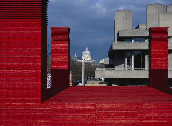 4 ví dụ dùng màu đỏ hiệu quả trong kiến trúc
