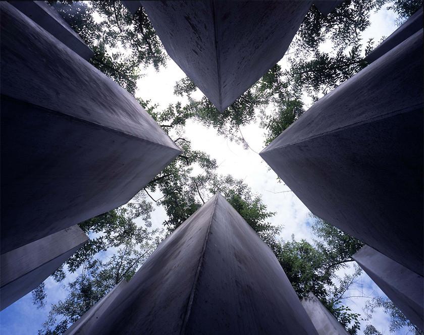 Các khái niệm Đại tự sự, Tiểu tự sự thông qua các công trình kiến trúc đương đại